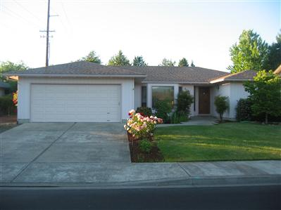 3051 Crystal Mountain Ave, Medford, OR