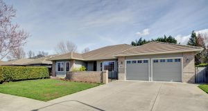 954 Mountain View Drive Medford